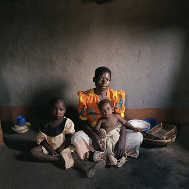 27 year old villager Joyce Folias is HIV positive, along with her youngest daughter Yankho (1).  Her eldest daughter Ndaziona (6) is not infected with the virus.