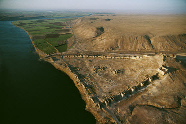 Ruins of the ancient city of Zenobia (Halabiye) on the bank of the Euphrates. Founded as a fortified settlement to control the river traffic through the desert oasis of Palmyra in 266 AD, it was destr...