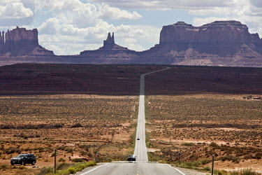 View of Monument Valley in Utah, looking south on U.S. Route 163.