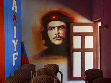 A Che Guevara mural in the Communist Party of India's Kondotty branch office.