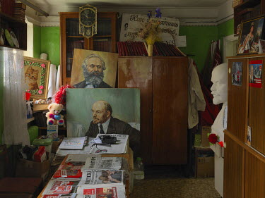 Portraits of Marx and Lenin in the Communist Party of the Russian Federation's Pochinok office.