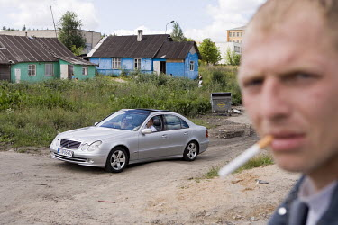 A drug user visits a Roma village on the outskirts of Vilnius which is well known as a place to buy heroin. Poverty and unemployment has led to drug dealing in the Roma community of some 500 people. S...