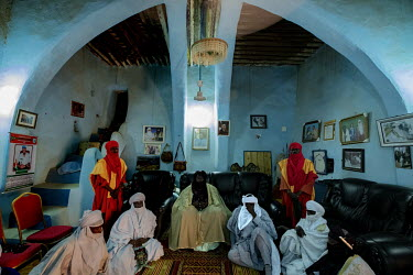 Emir Oumarou Ibrahim Oumarou in his palace with his courtiers.