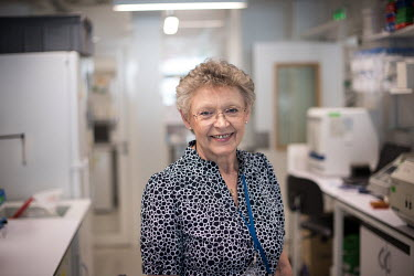 Francoise Barre-Sinoussi in an HIV/AIDS research laboratory at the Institut Pasteur.
