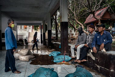 Villagers selling bat droppings, which they collected from the Khao Chong Pran Cave, for use as fertiliser.  A team of researchers consisting of scientists, ecologists, and officers from Thailand's Na...