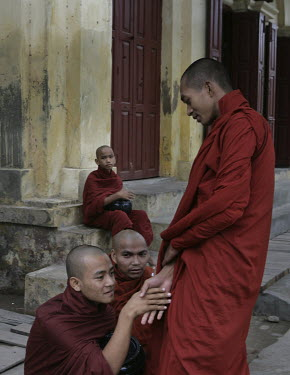 Monks at the Maha Ganayon monastery.