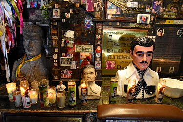 A shop selling drug cartel related souvenirs including busts of Joaquin 'El Chapo' Guzman.