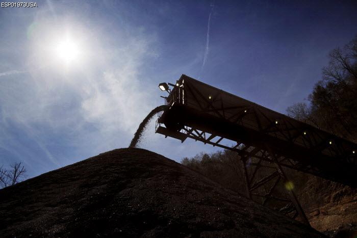Hard.Land-Curse of Coal